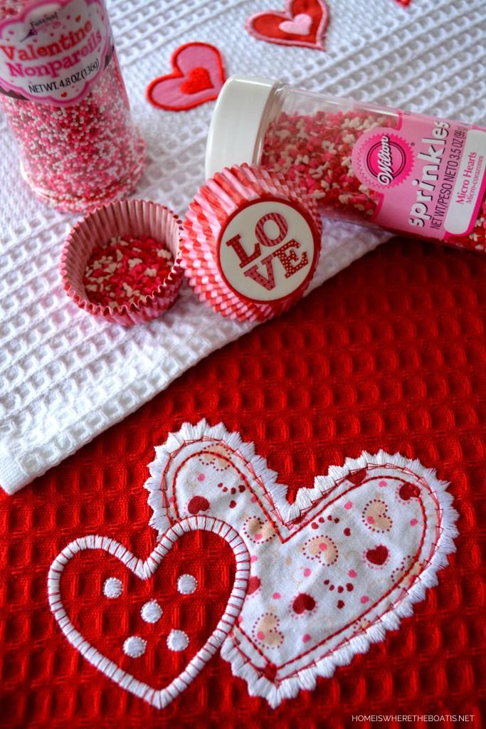 Valentine Brownie Truffles | ©homeiswheretheboatis.net #valentinesday #brownie #truffles #dessert