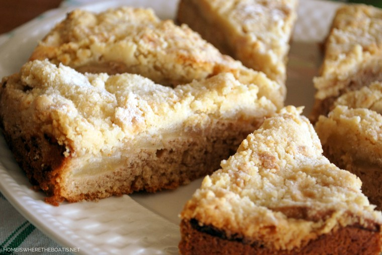 Irish Apple Cake for St. Patrick's Day   ©homeiswheretheboatis.net #stpatricksday #recipes #cake #apples