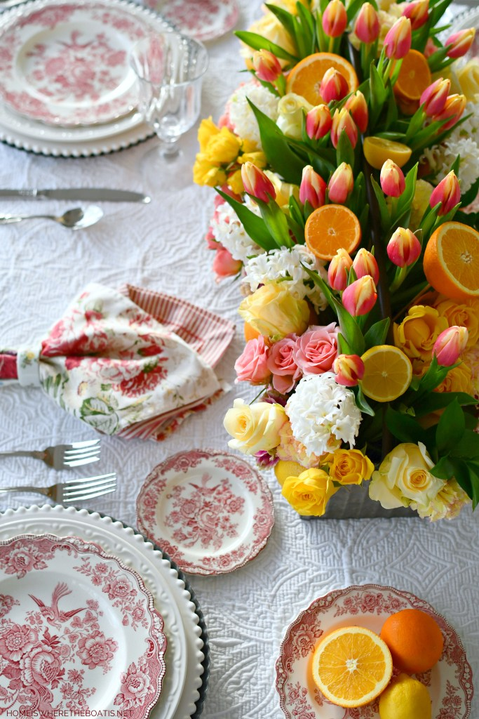 DIY Floral Arrangement Table Centerpiece with Citrus and Pink Transferware | ©homeiswheretheboatis.net #flowers #centerpiece #DIY #tablescapes