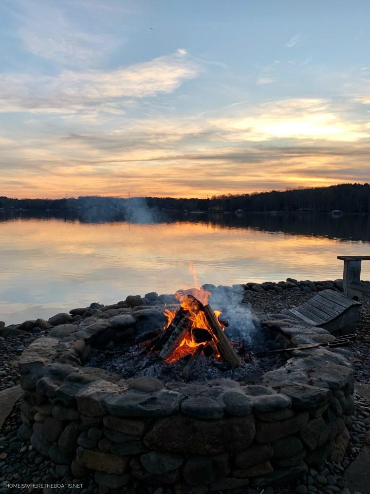 Weekend Waterview Fire Pit Sunset Lake Norman | ©homeiswheretheboatis.net #LKN #sunset #lake