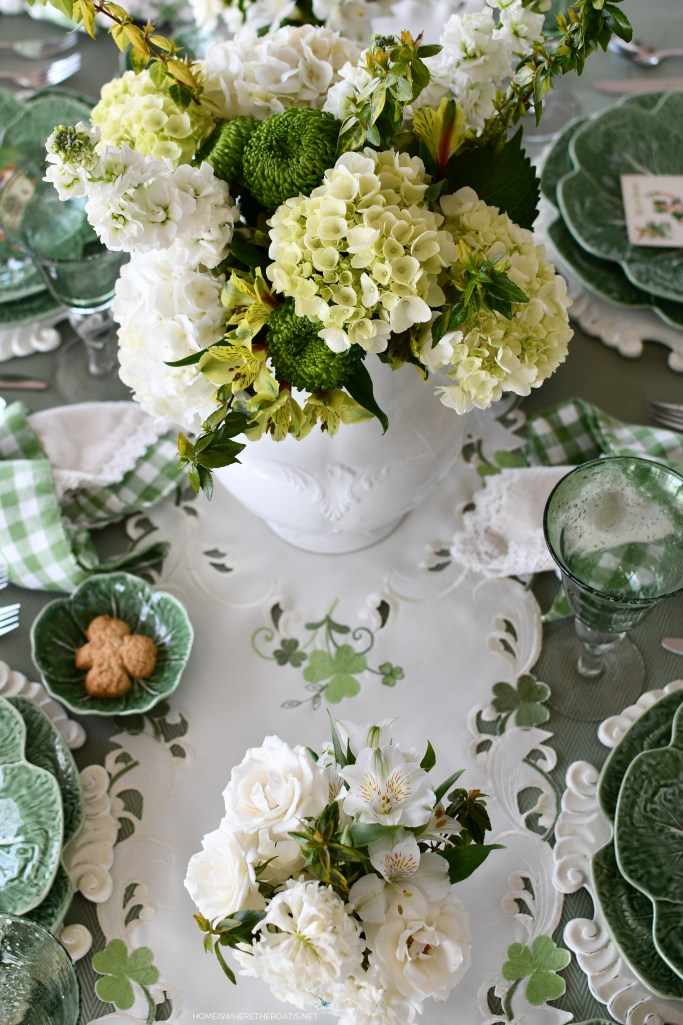 Erin Go Bragh and Wearing of the Green for St. Patrick's Day Table | ©homeiswheretheboatis.net #stpatricksday #tablescape