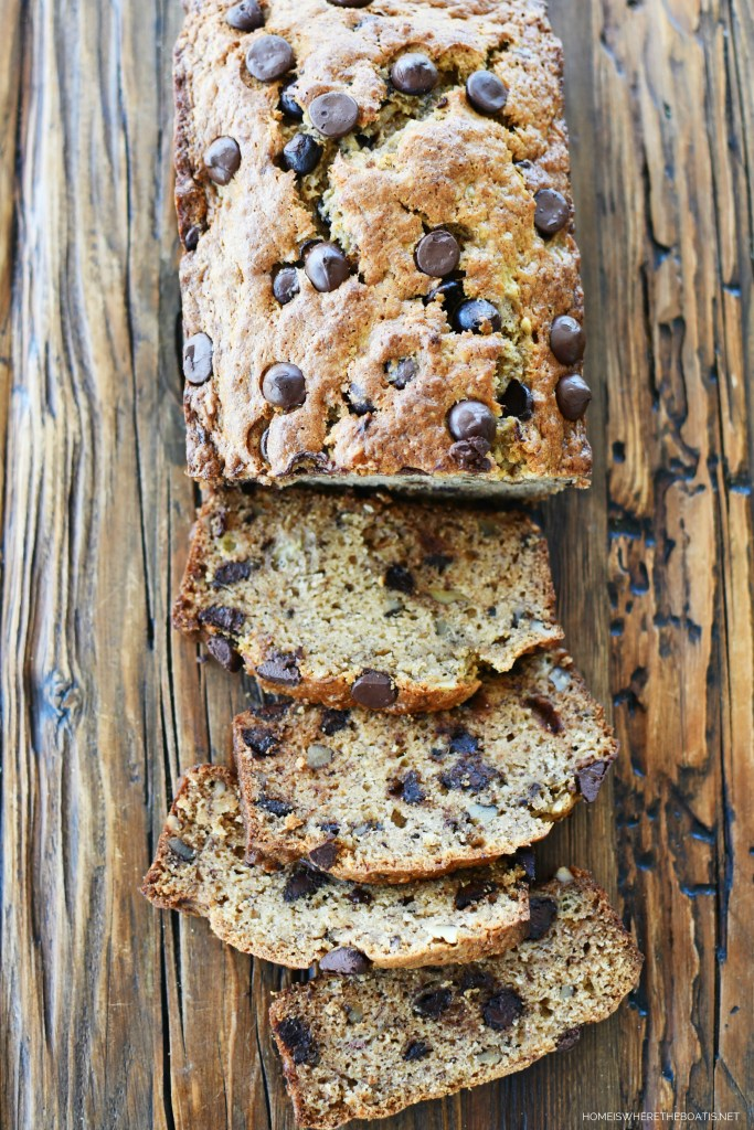 Dark Chocolate Chip-Walnut Banana Bread | ©homeiswheretheboatis.net