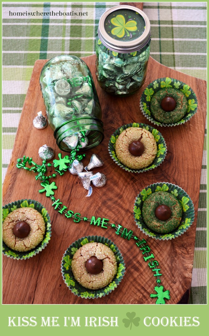 Kiss Me, I'm Irish Cookies! A quick and easy treat for St. Patrick's Day! | ©homeiswheretheboatis.net #recipe #Irish #dessert #stpatricksday #recipe #cookie
