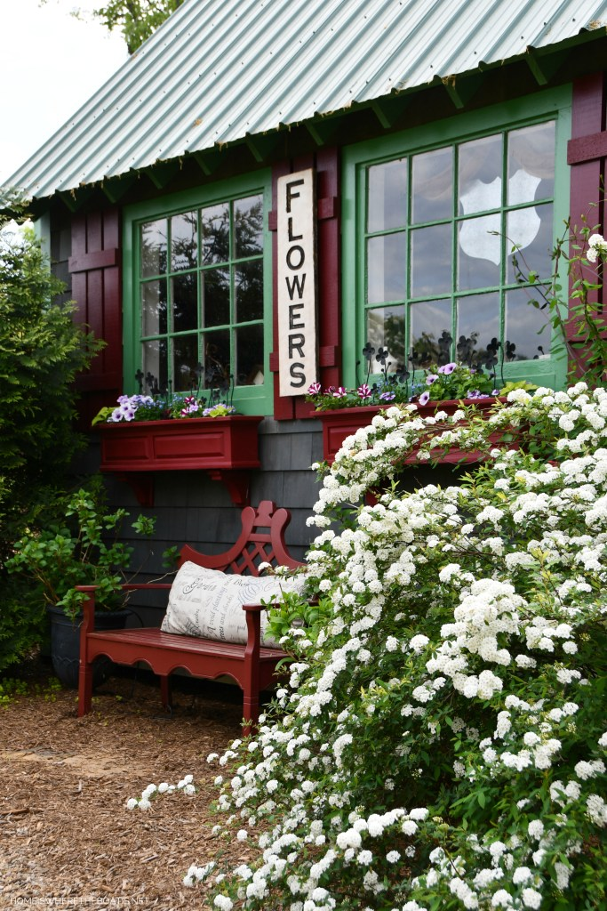 Potting Shed | ©homeiswheretheboatis.net #pottingshed #garden #flowers