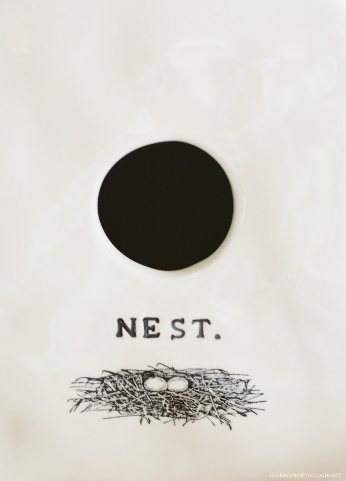 Rae Dunn Nest Birdhouse | ©homeiswhetheboatis.net #bird #tablescapes #spring