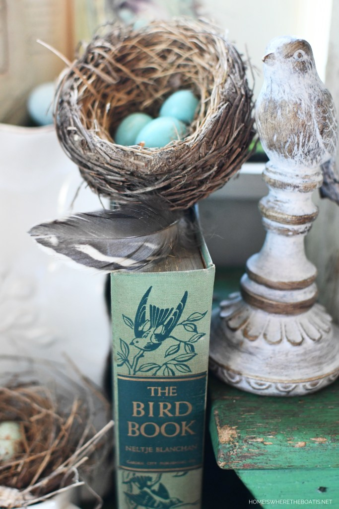 Tabletop nesting in the Potting Shed | ©homeiswhetheboatis.net #bird #tablescapes #spring