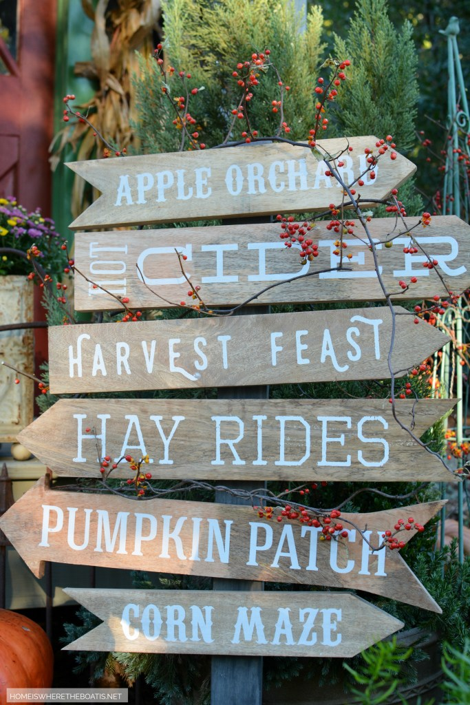 Apple Orchard, Hot Cider, Harvest Feast, Hay Rides, Pumpkin Patch, Corn Maze Sign | ©homeiswheretheboatis.net #fall #shed