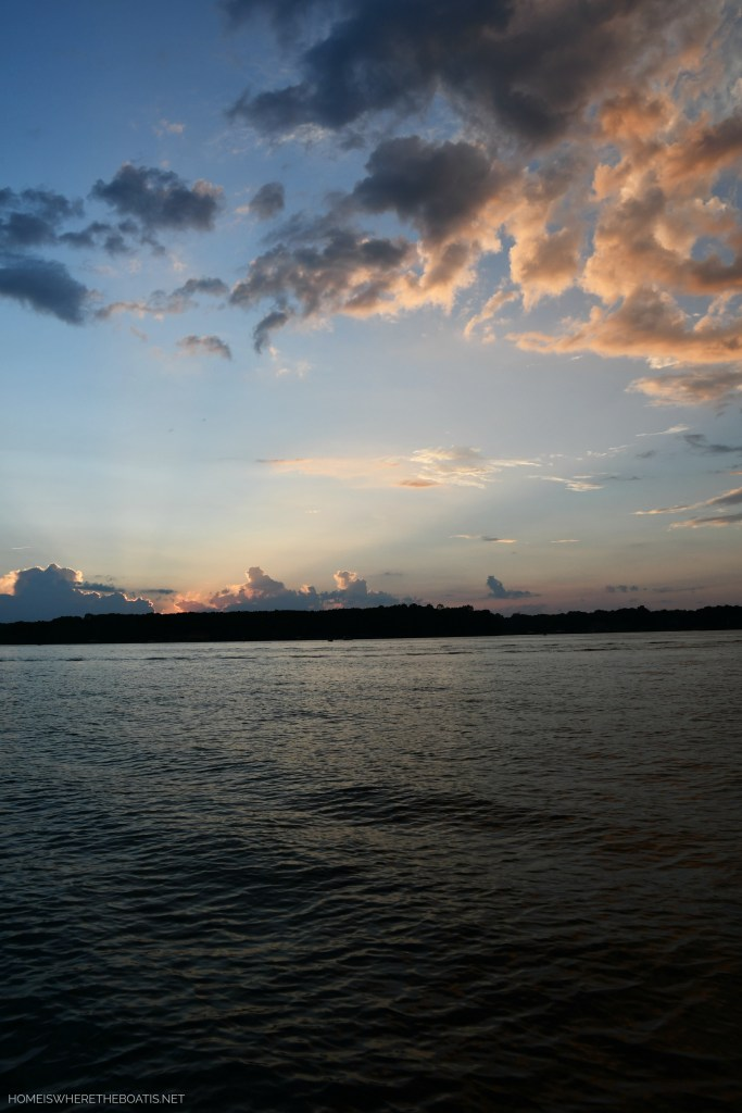Weekend Waterview Sunset Lake Norman | ©homeiswheretheboatis.net #lake