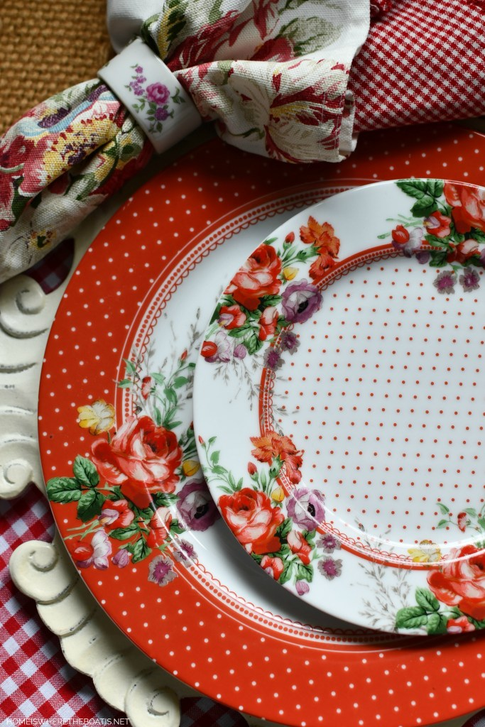 Scarlet Posey vintage-inspired floral dinnerware | ©homeiswheretheboatis.net #tablescapes #redandwhite #flowers