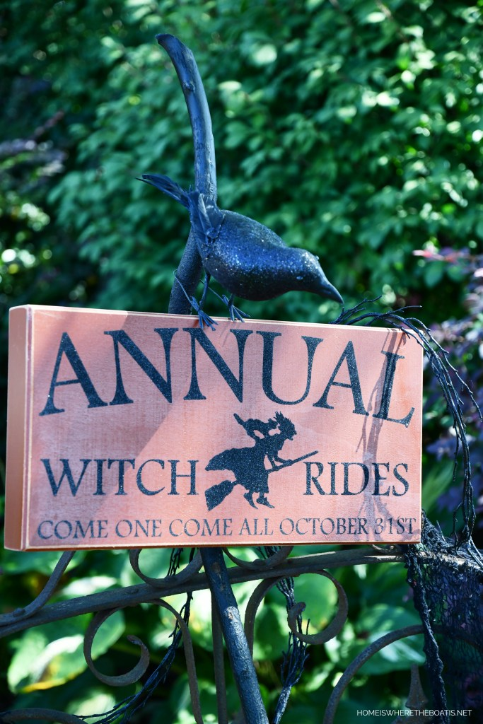 Annual Witch Rides Come One Come All October 31st | ©homeiswheretheboatis.net #DIY #halloween