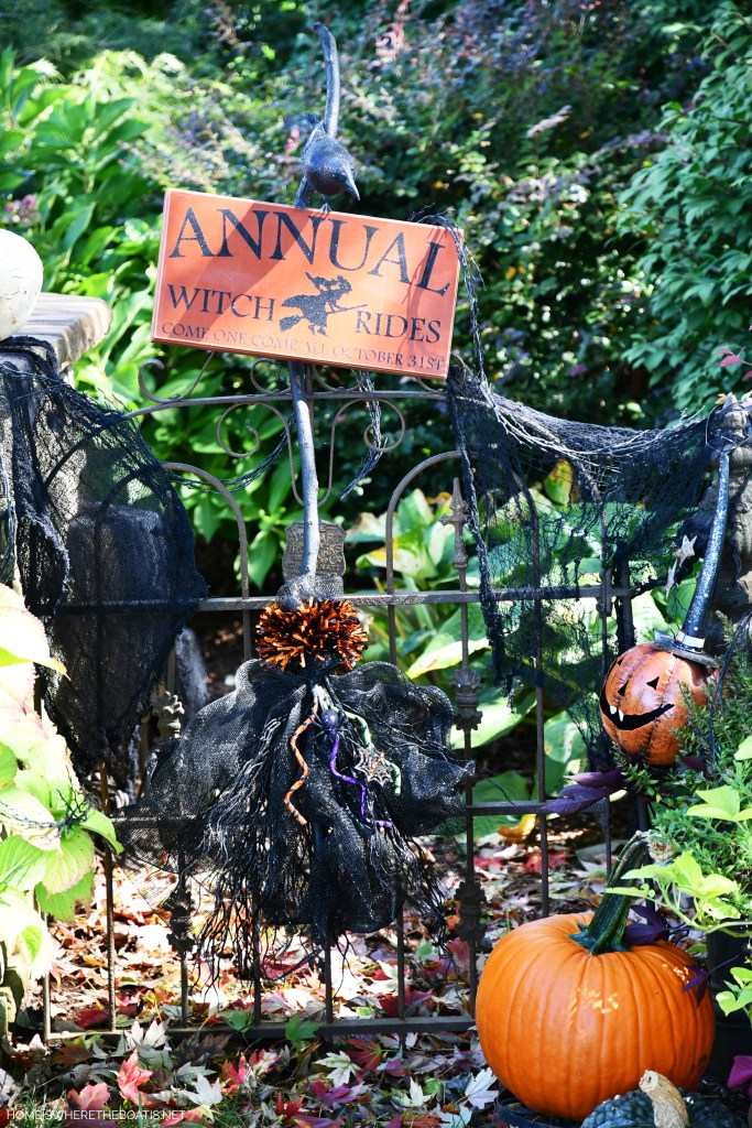 DIY Witch Broom | ©homeiswheretheboatis.net #DIY #halloween