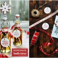 Homemade Vanilla Extract for Holiday Baking and Gifting!