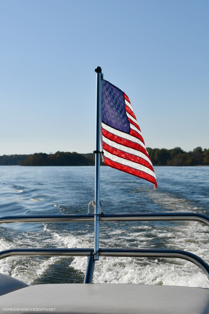 American flag on pontoon | ©homeiswheretheboatis.net #boat #flag #LKN