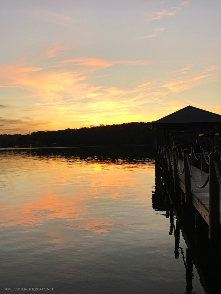 Weekend Waterview Sunset Lake Norman | ©homeiswheretheboatis.net #fall #lake