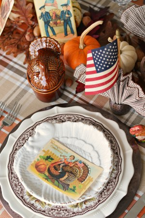 'Thankful for Veterans' Tablescape