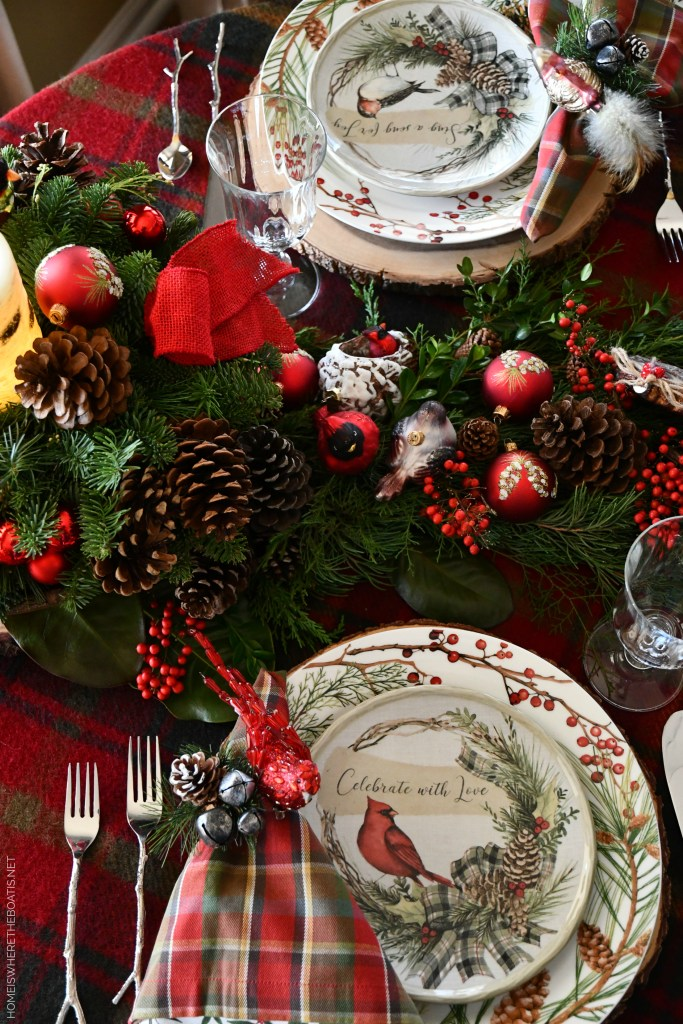 Merry Christmas Nesting Tablescape | ©homeiswheretheboatis.net #christmas #tablescapes #birds
