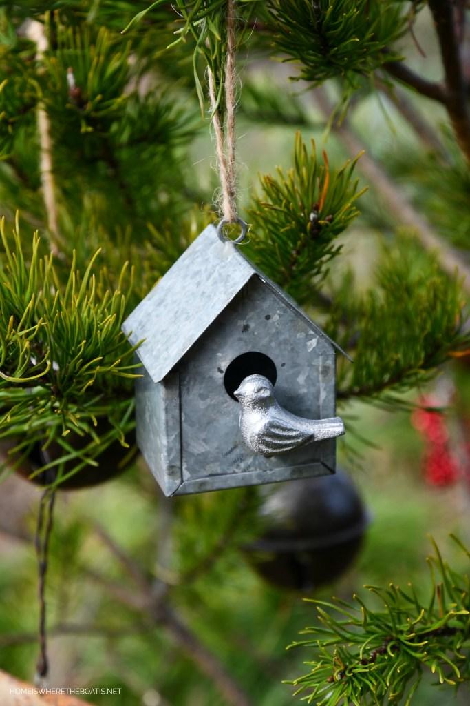 Birdhouse Christmas ornament | ©homeiswheretheboatis.net #shed #christmas #greenery #garden