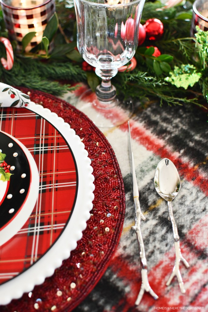 Twig flatware for Snowman Tablescape | ©homeiswheretheboatis.net #christmas #snowman #tablescape