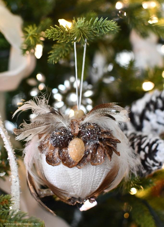 DIY Owl Ornament Winter Nesting Tree | ©homeiswheretheboatis.net #winter #tree #birds #christmastree