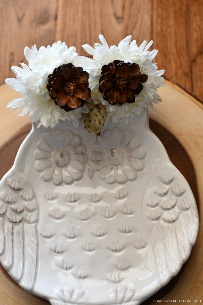 DIY Winter Owl Flower Centerpiece and Table | ©homeiswheretheboatis.net