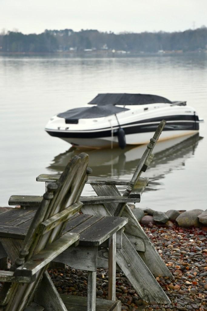 Drifting boat Weekend Waterview | ©homeiswheretheboatis.net #lakenorman