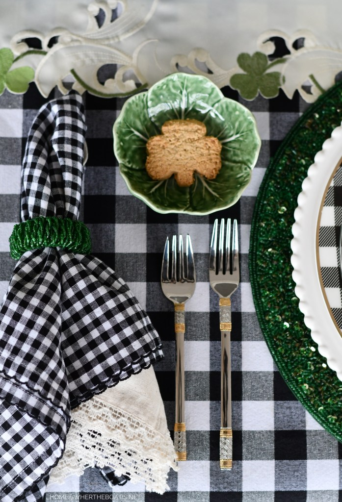 St. Patrick's Day table with Grace's Irish Oatmeal Biscuit | ©homeiswheretheboatis.net #stpatricksday #tablescapes