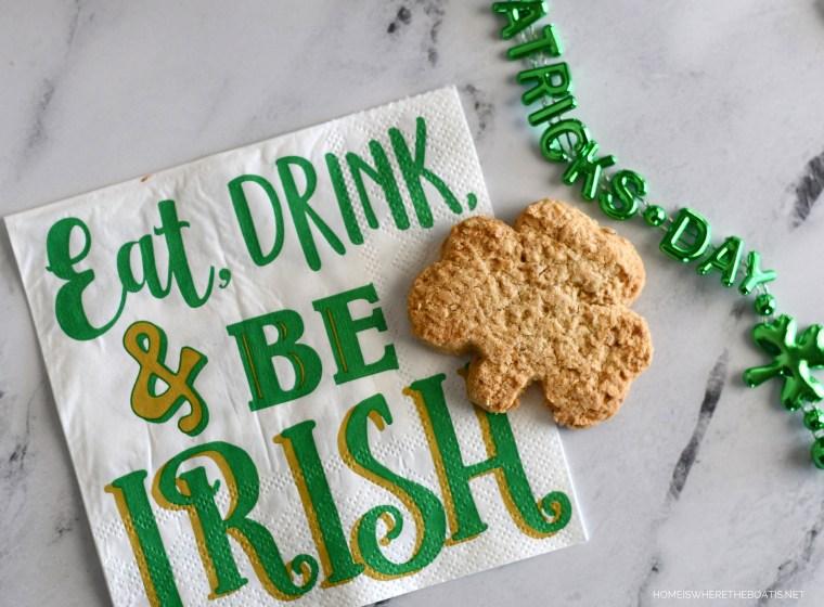 Eat, Drink & Be Irish   ©homeiswheretheboatis.net #stpatricksday #irish #cocktail #easy #recipe