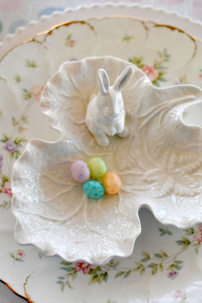 Easter tablescape with bunny dish | ©homeiswheretheboatis.net #easter #tablescapes #bunny