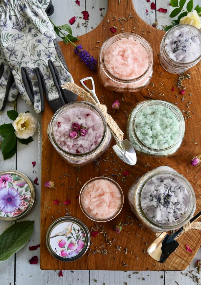 Easy 5-Minute Sugar Scrub Recipe | ©homeiswheretheboatis.net #diy #craft #easy