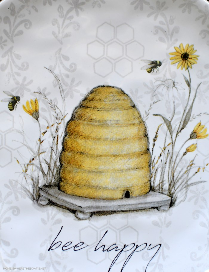 Bee Happy | ©homeiswheretheboatis.net #bees #tablescapes