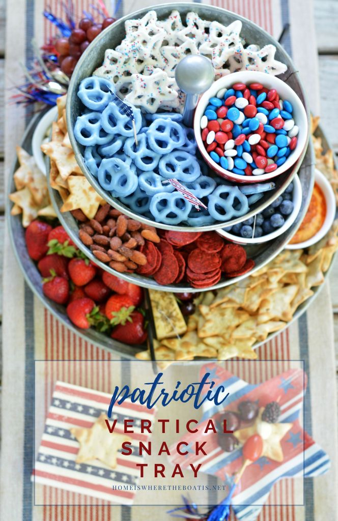 Patriotic Vertical Snack Tray for Easy Entertaining | ©homeiswheretheboatis.net #4thofjuly #appetizers #easy #patriotic