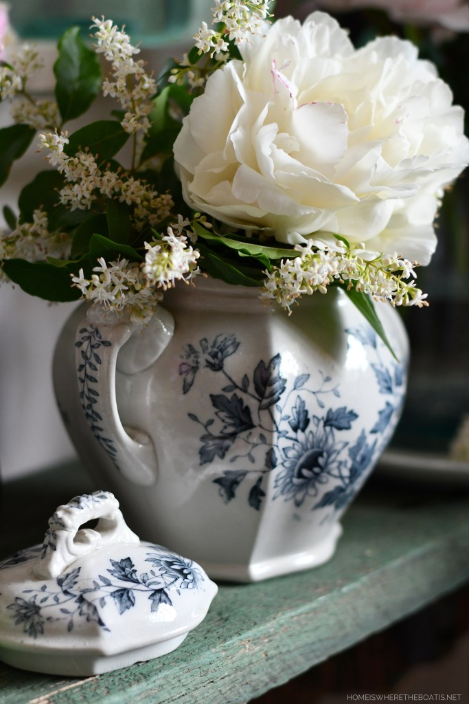 'Festiva Maxima' Peony and privet in blue and white transferware sugar bowl | ©homeiswheretheboatis.net #peonies #flowers #garden