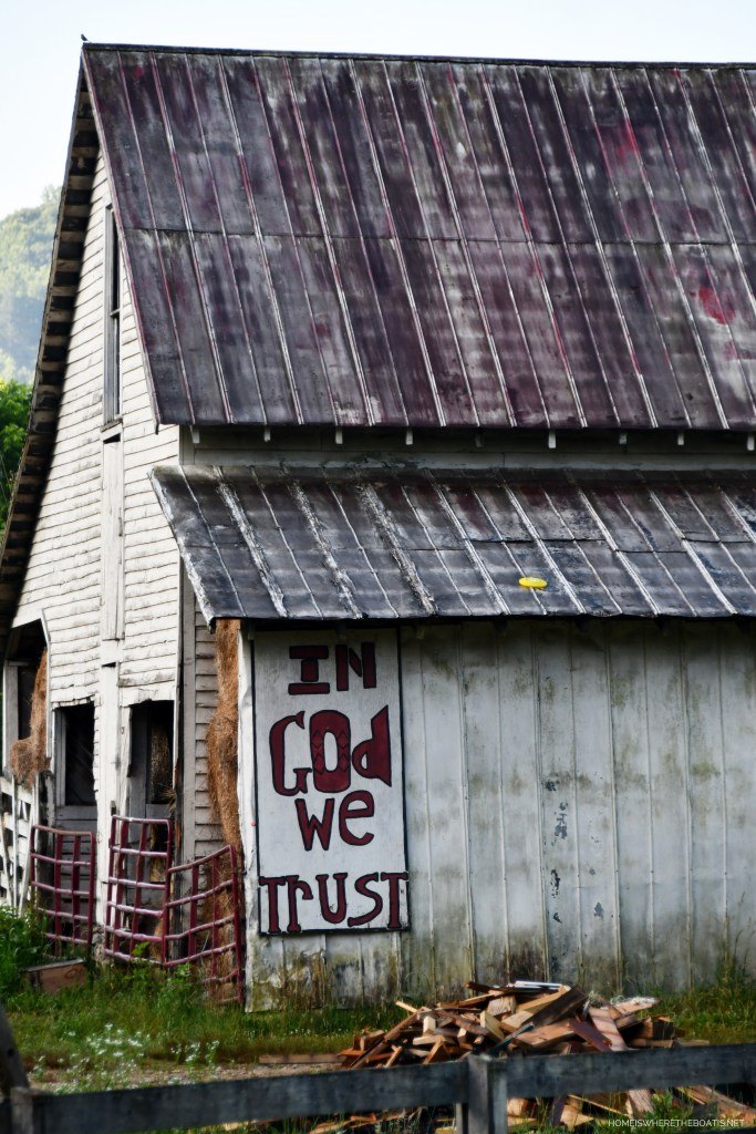 'In God We Trust' barn in NC mountains | ©homeiswheretheboatis.net #mountains