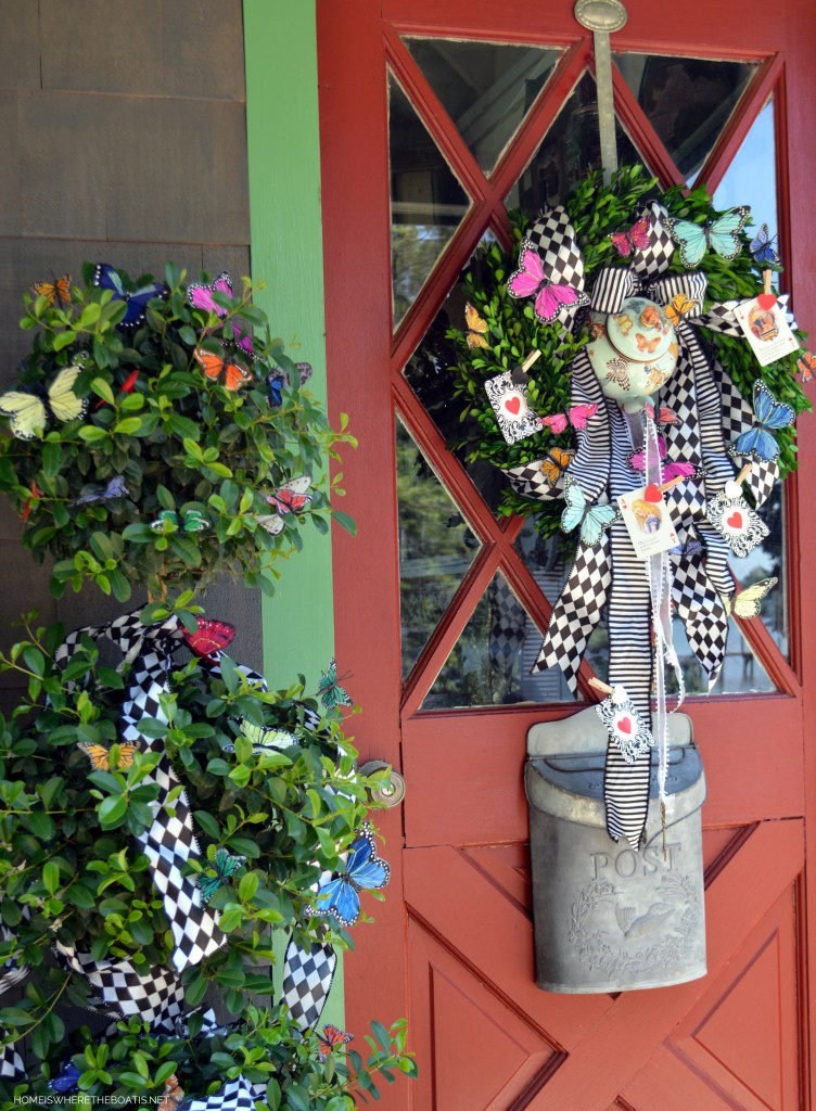 Teapot Wreath for an Alice in Wonderland Mad Tea Party | ©homeiswheretheboatis.net #diy #wreath #aliceinwonderland