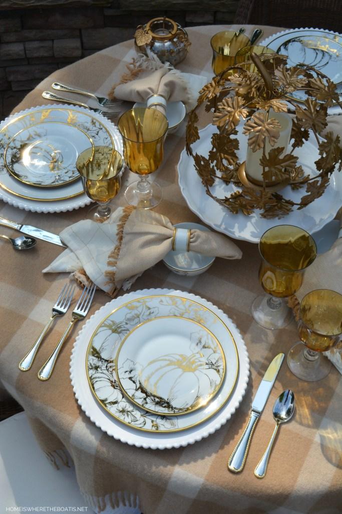 Golden Autumn Tablescape   ©homeiswheretheboatis.net #fall #alfresco #tablescape #lake #autumn