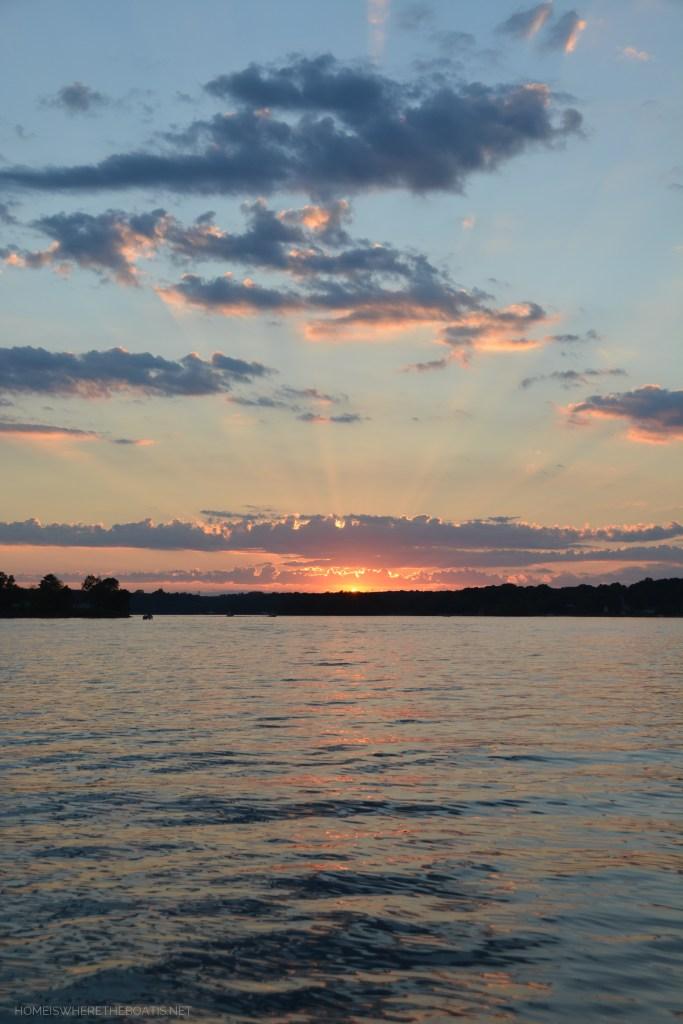 Weekend Waterview Sunset Lake Norman | ©homeiswheretheboatis.net #lake #LKN #sunset