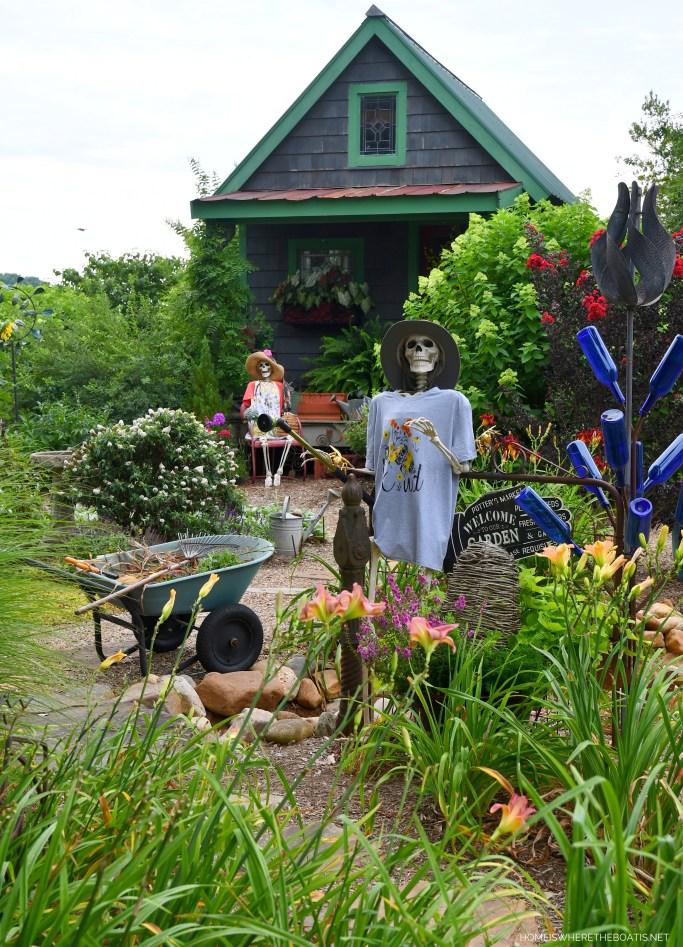 Halloween in August: Skeletons in the Garden   ©homeiswheretheboatis.net #skeleton #halloween