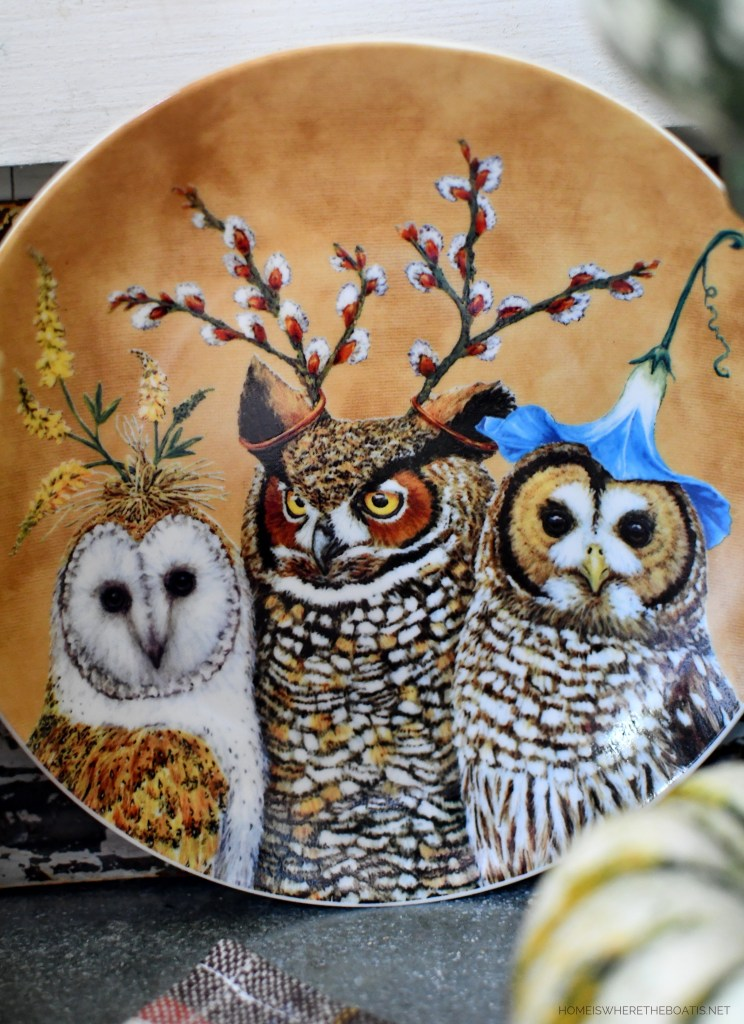 Woodland Friends Fall Table and vignette in Potting Shed | ©homeiswheretheboatis.net #fall #tablescape #owls