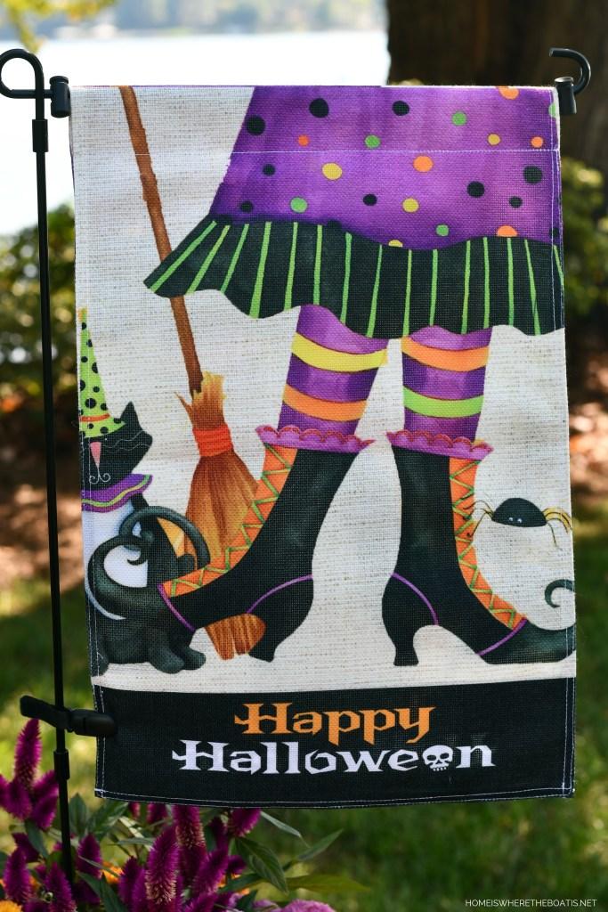 Happy Halloween witch flag | ©homeiswheretheboatis.net #halloween