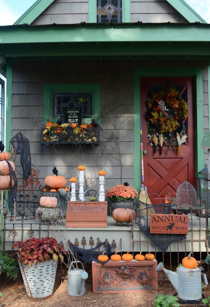 Potting Shed dressed for Halloween | ©homeiswheretheboatis.net #halloween #tablescape