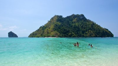 Chicken Island and Tub Island in Krabi – a day trip ...
