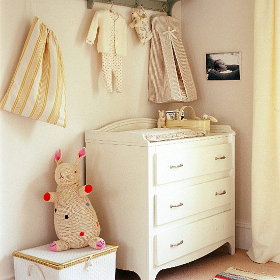 7 nursery decorating ideas for childrens room pegsd Nursery decorating ideas for Childrens Room