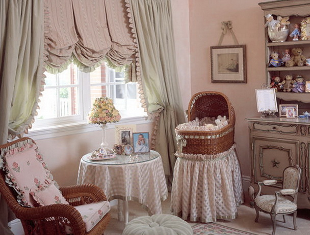 Warm and romantic shades of the interior   Home Interior ...