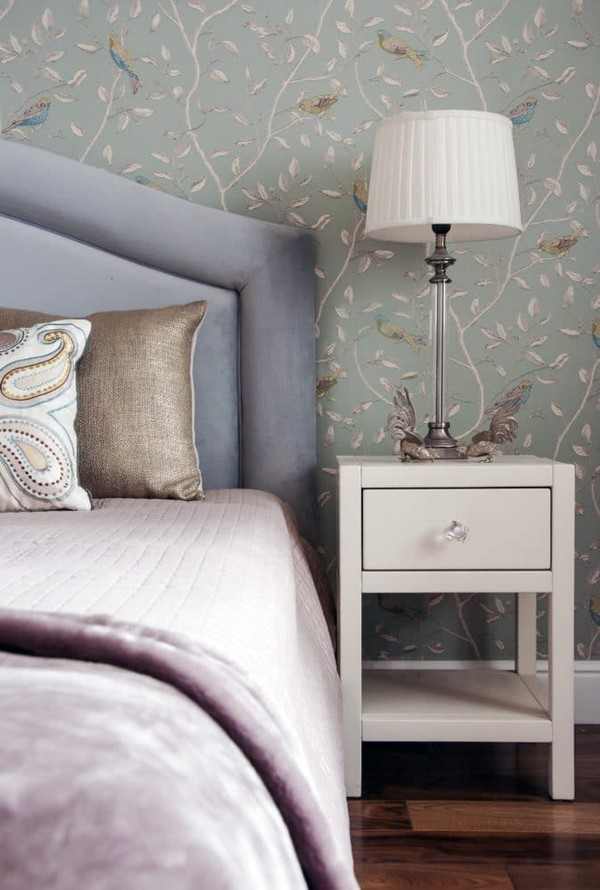 Lilac And Beige Restrained Traditional Apartment OBSiGeN