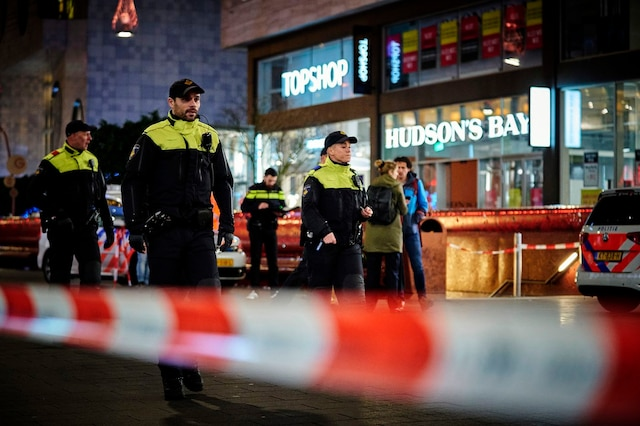 Three Injured in Dutch Shopping Center Attack