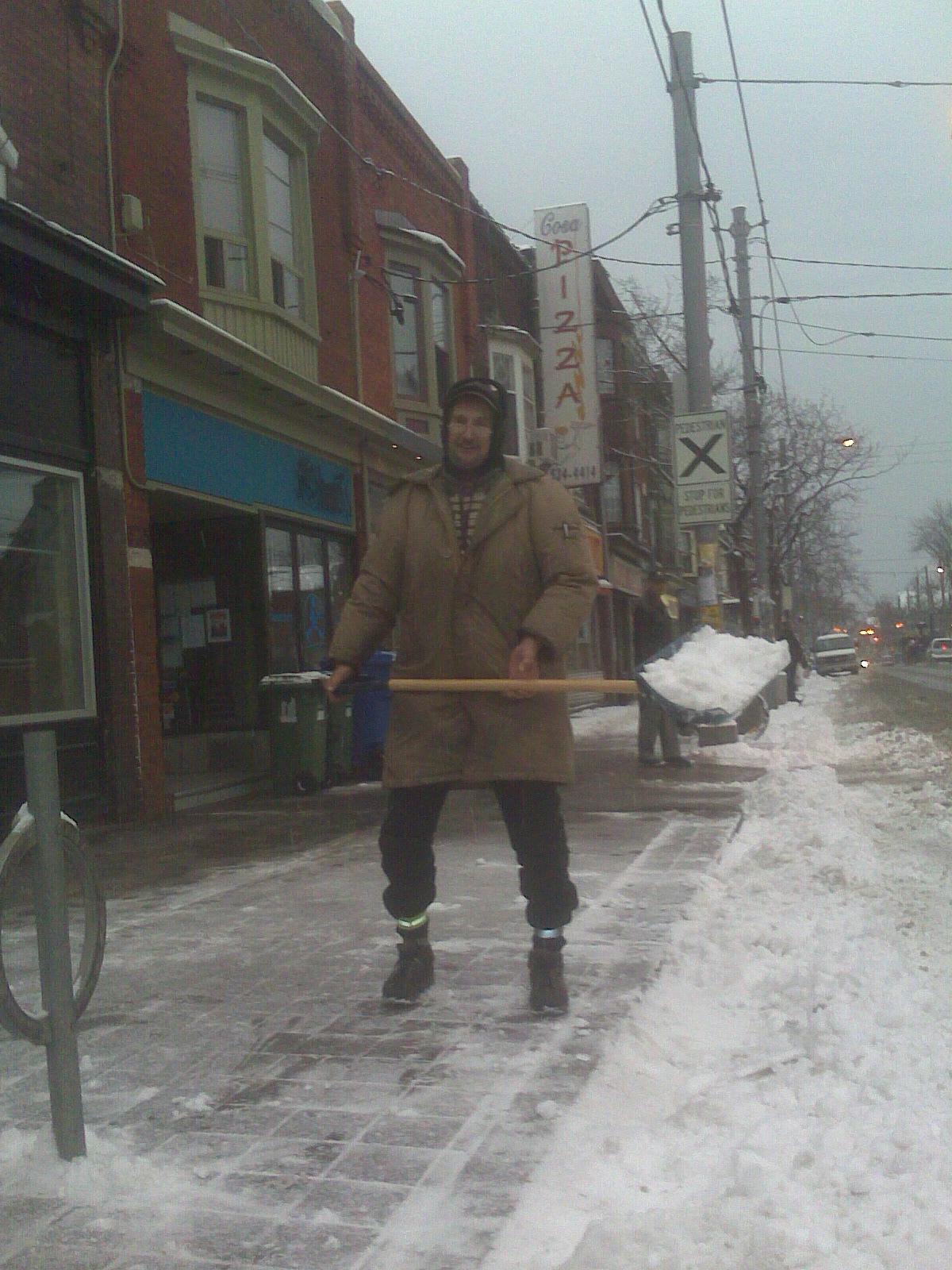 tony-w-snow-shovel-dec-15-2008