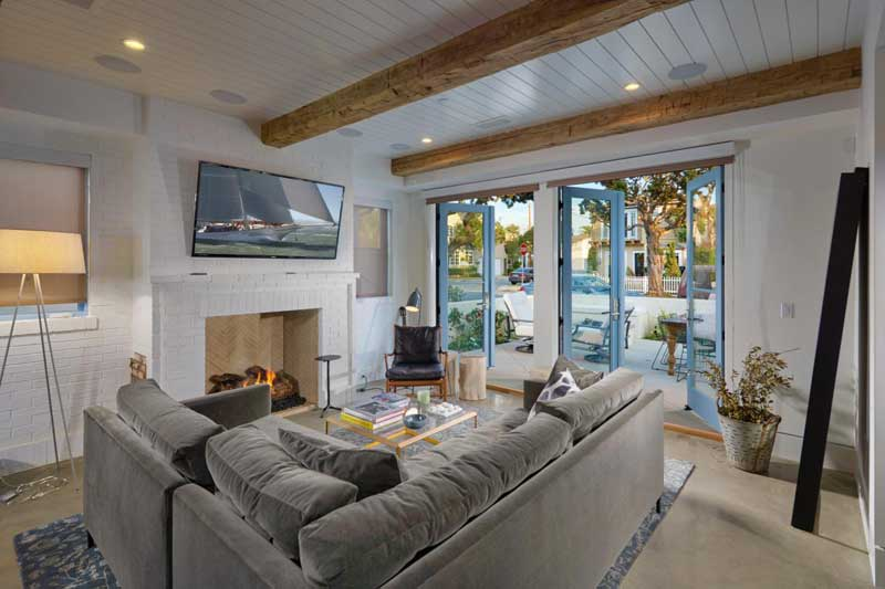 Cottage Living Room Design
