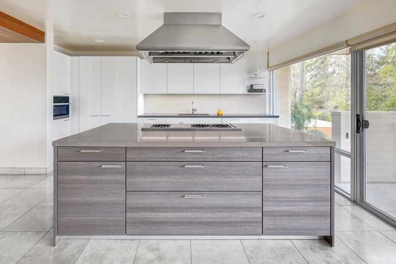 Large Kitchen Island With Cooktop