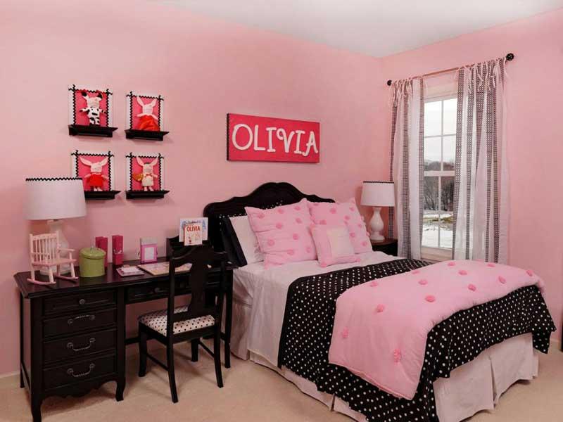 Pink Teenage Girl Bedroom with Polka Dot Bedding
