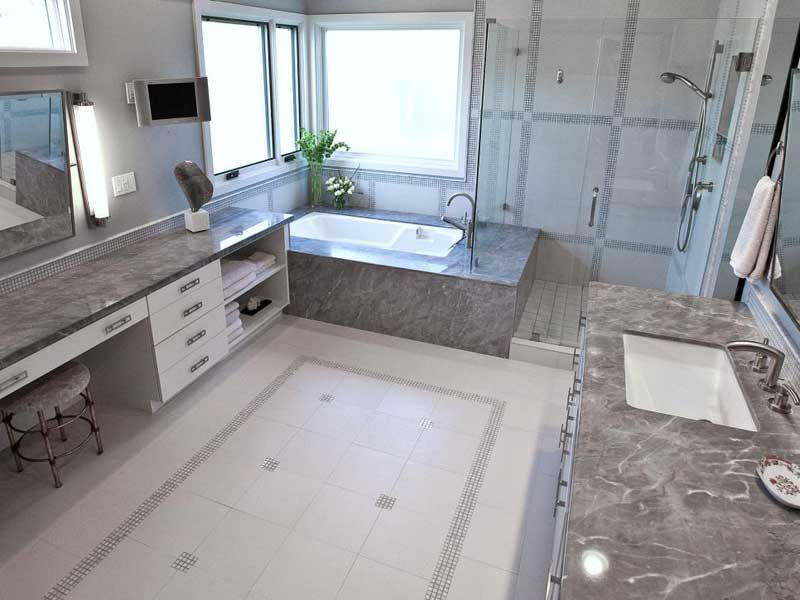 Bathroom with Porcelain Tile Floor